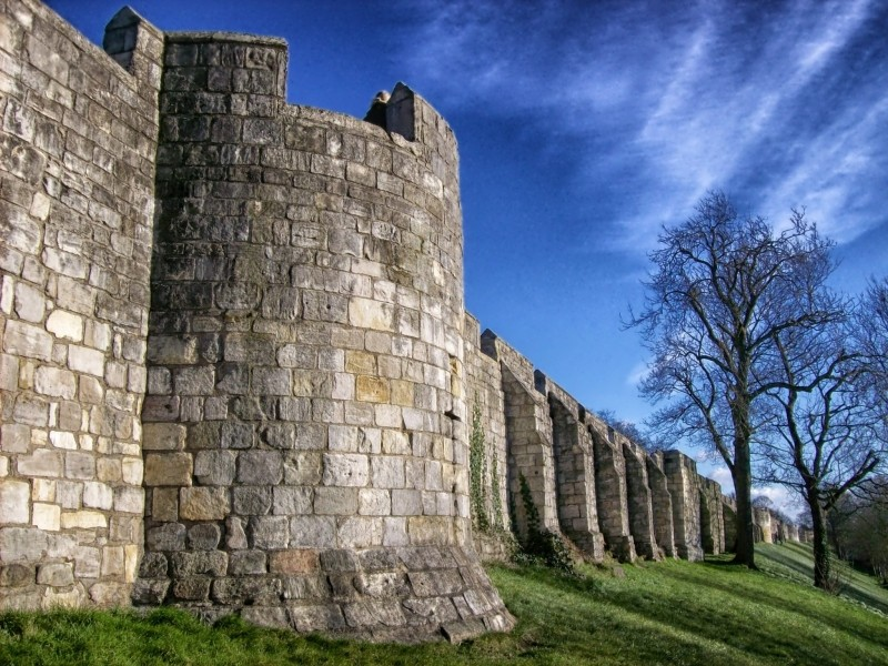 city-walls-york-england-great-britain-architecture.jpg